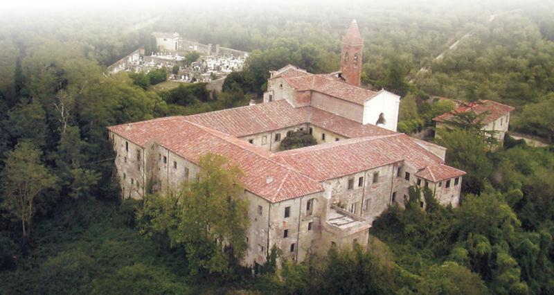 Abbracciamo il convento di Nicosia a Calci Pisa