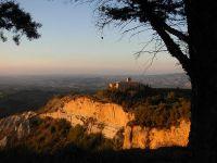 Acantilados de Volterra y Larderello